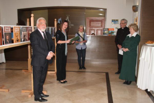 Lengyel Ernő, a hotel tulajdonosa köszönti a jelenlévőket