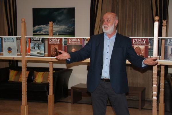 Szentendrei Zoltán, a Prospektus Nyomda tulajdonosa, élvezetes előadást tart