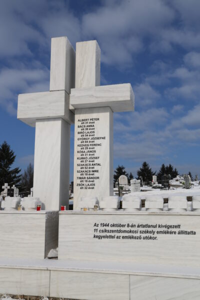 A Maniu-gárdisták rémtetteit idéző emlékmű, Csíkszentdomokos