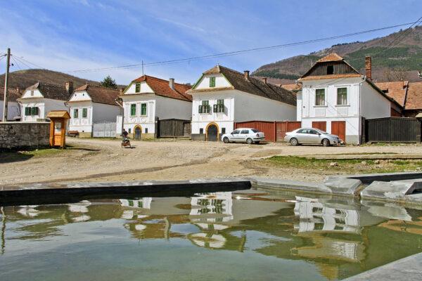Torockó - a falu fehér falú házai