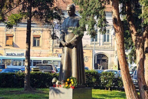 A Márton Áron-szobor Kolozsváron, Bocskay Vince alkotása