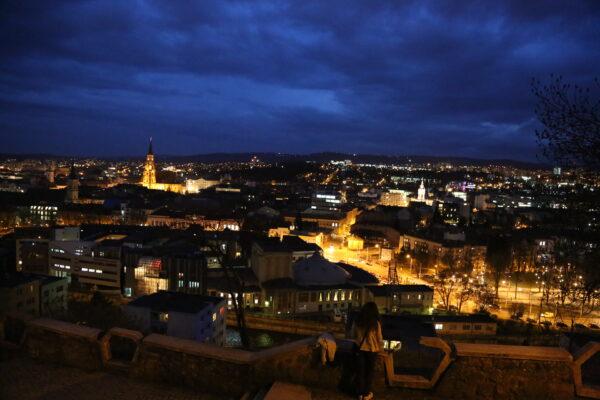 Kolozsvár éjszakai fényben