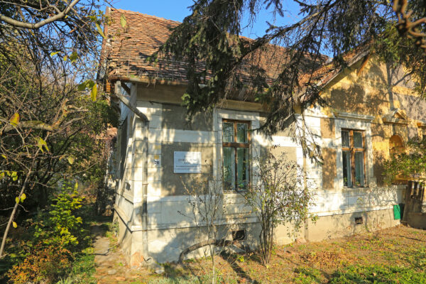 Kolozsvár, Fürdő u. 28. Ebben a házban élt a Dsida-család
