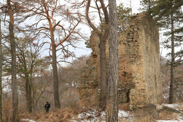 A krizbai vár megmaradt tornyának csonkja
