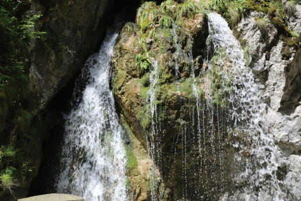 Az egyik vízköpő a Békás-szorosban