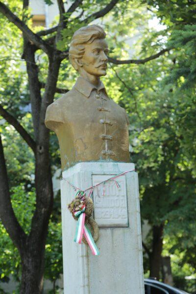 A Petőfi-szobor, a park névadója