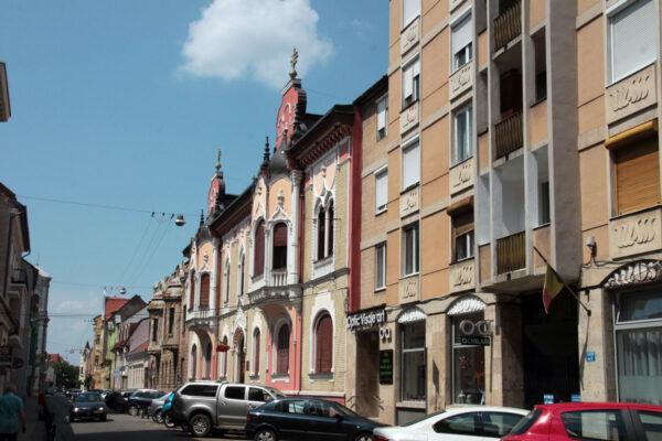 Úri utcai palotasor - a harmadik épület ifj. Rimanóczy Kálmán családi háza, mely halálát követően az Ortodox Püspökségé lett.