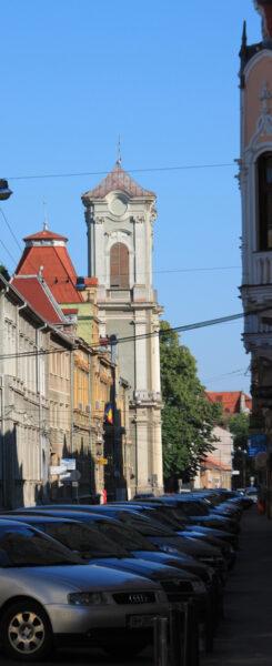 A mára már szűknek bizonyuló Úri utca a főpostával és a premontreiek templomával.