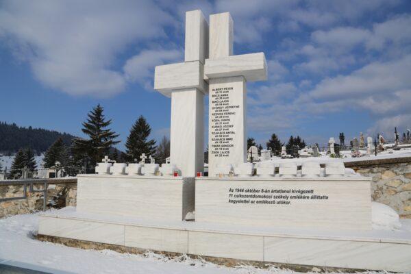 A Maniu-gárdisták áldozatainak emlékhelye a Gáborkert felett