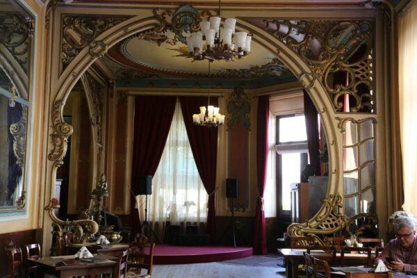 Az ifjú Rimanóczy Kálmán által a városnak hagyatékozott szálló - kávézónak még a nevét sem tartották meg.